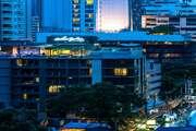 아키라 타스 스쿰빗 방콕